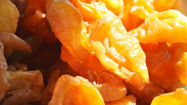 dried-fruit-700023_640