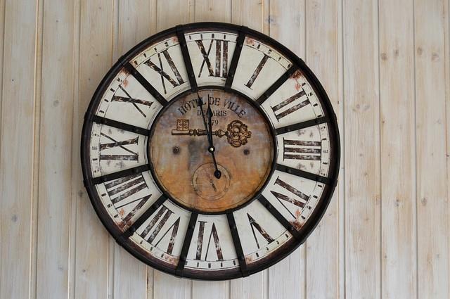 clock-1008830_640